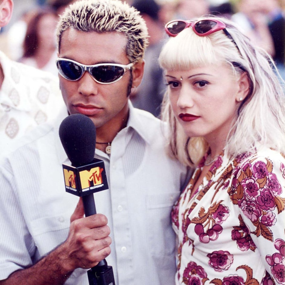 tony-kanal-and-gwen-worlds-sexiest-breasts